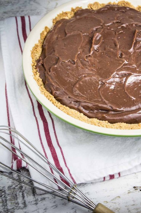 Pie with Cream Cheese and Chocolate Layers