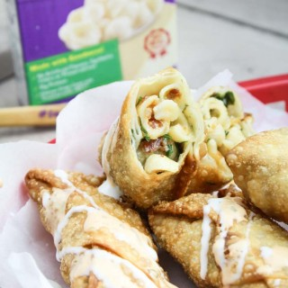 Bacon Buffalo Blue Mac 'n Cheese Rolls + GIVEAWAY