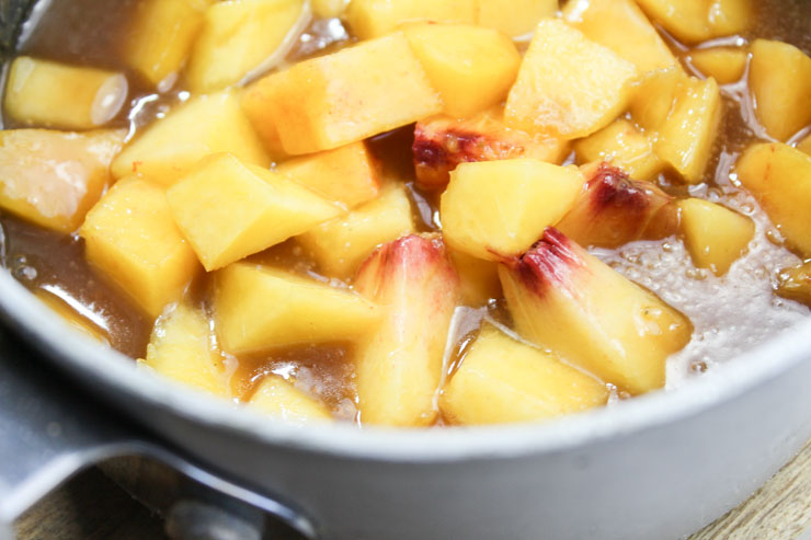 Cooking Peaches with Caramel Sauce