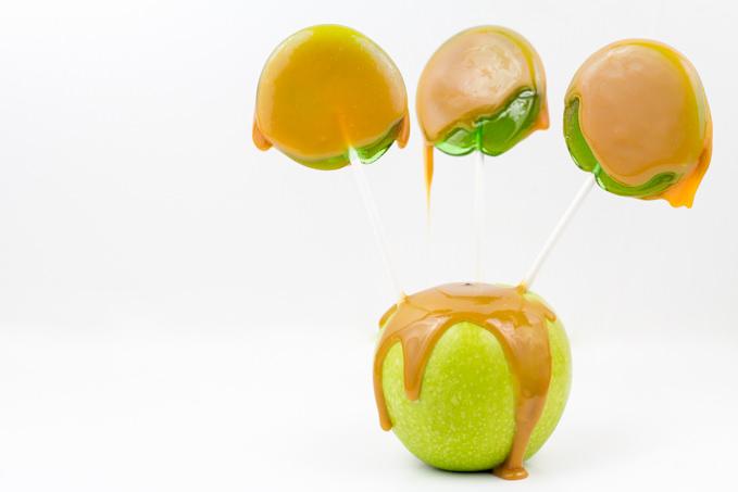 Homemade Caramel Apple Pops