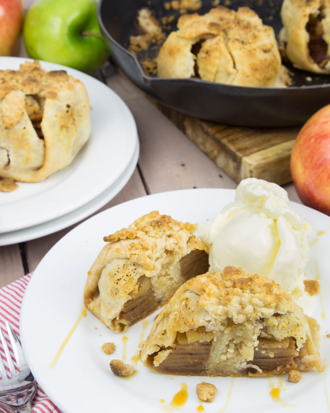 Baked-Apple-Crumble-Dumplings-0416