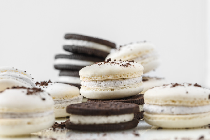 Cookies and Cream Macarons by Southern Fatty
