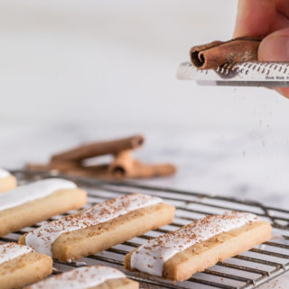 Cinnamon Marshmallow-Iced Shortbread Cookies